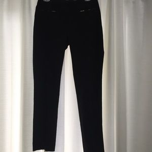 H&M tapered leg black pants with stretch size 6